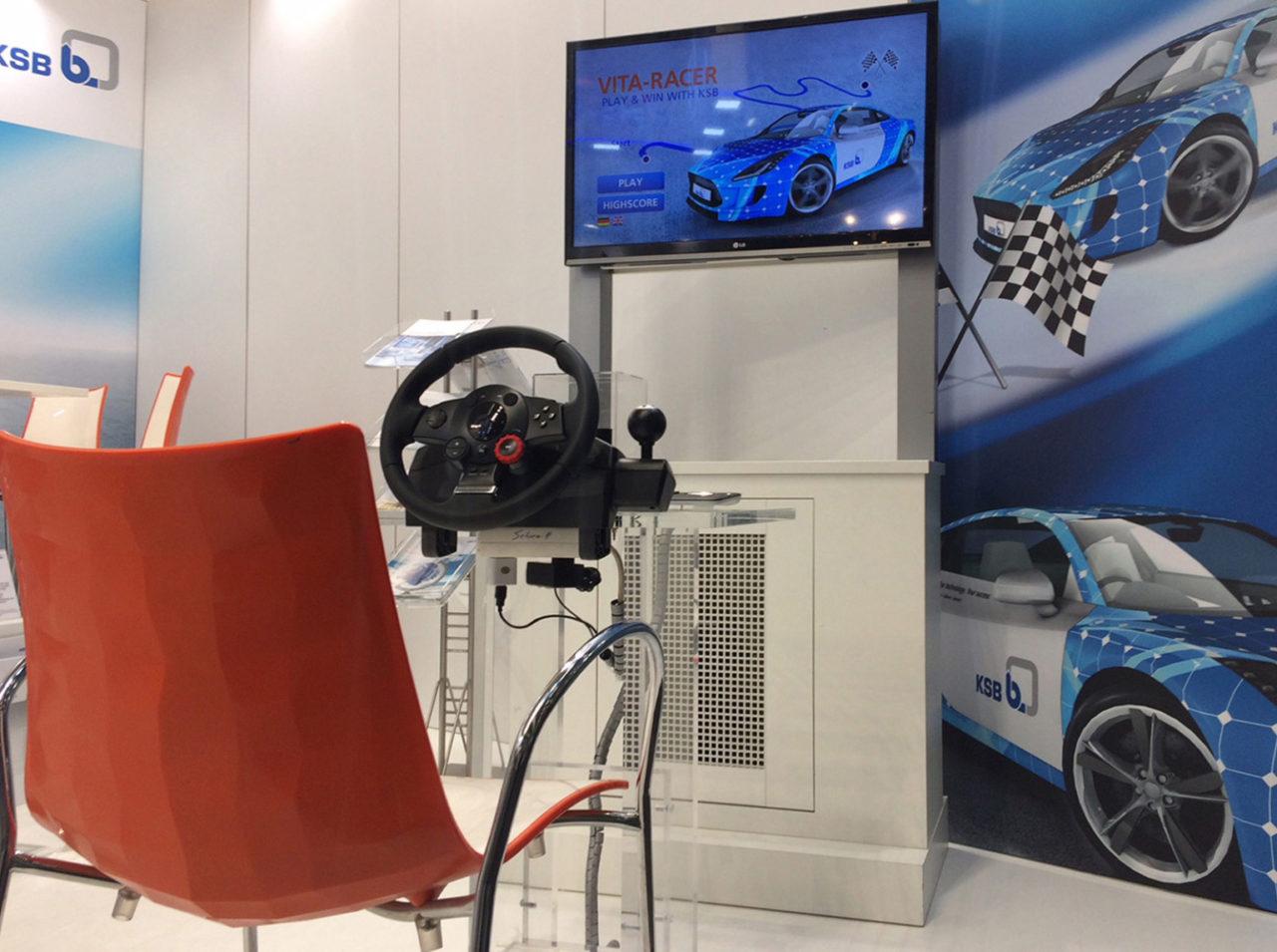 tecmotion - Messespiel VITA-Racer für KSB, Spielaufbau für das Rennspiel am Messestand